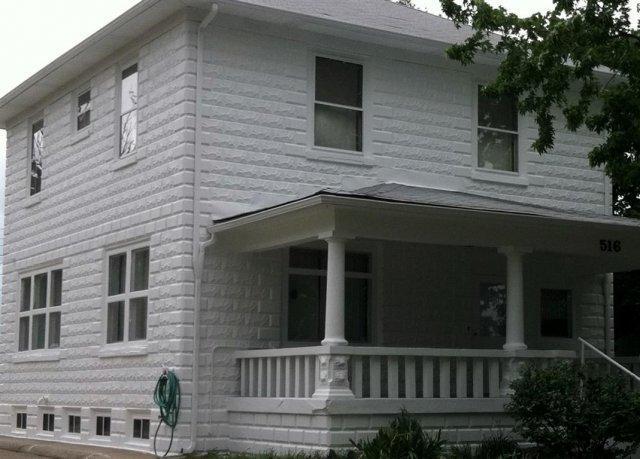 phoca_thumb_l_painting-block-home-exterior1-1